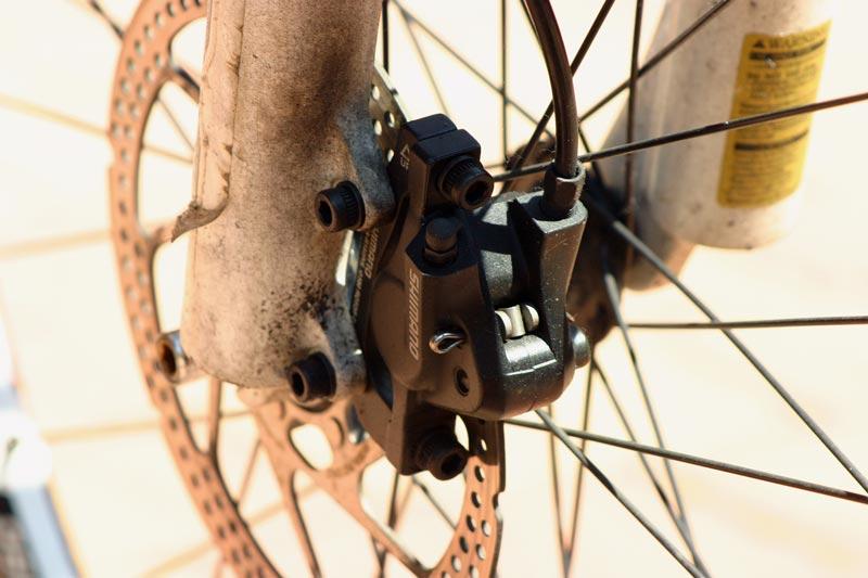 Mountainbike Bremsbelag wechseln - Bremszange lösen