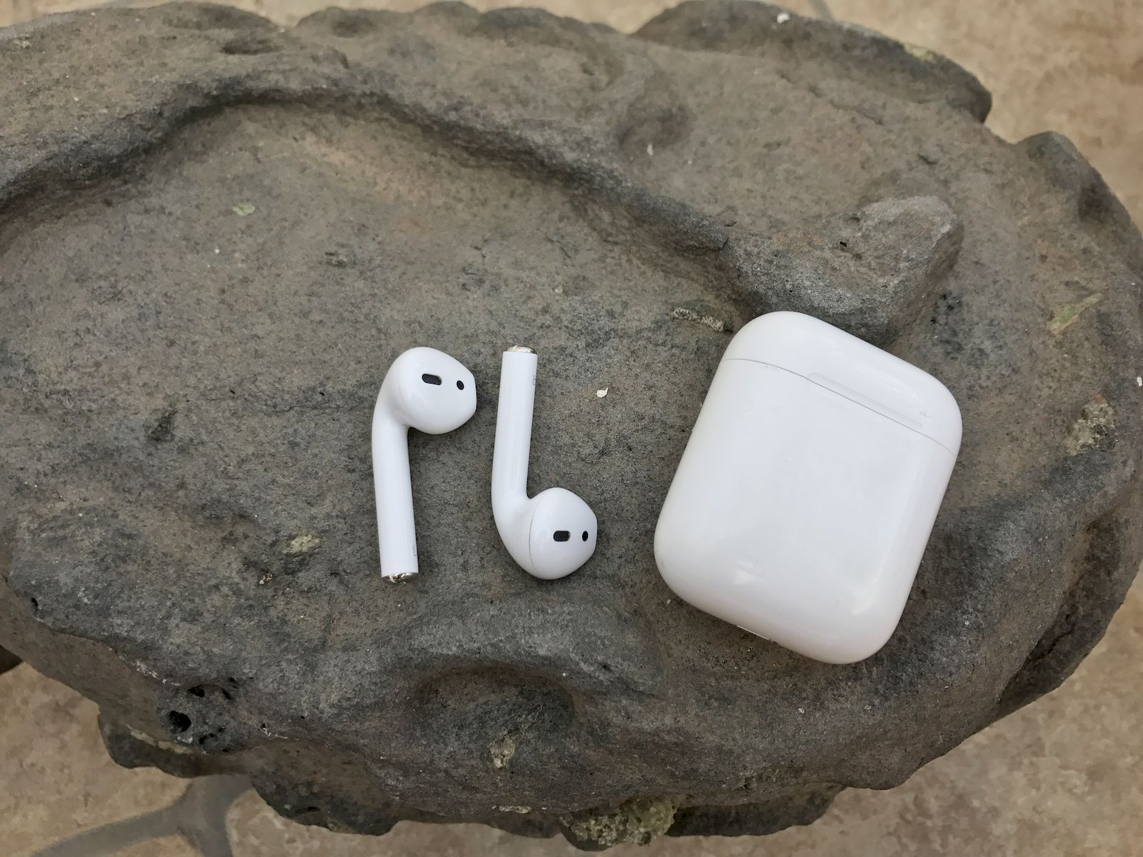 Apple-Airpods-und-Ladecase