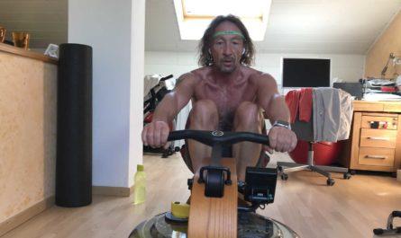 Mountainbike-Wintertraining - Rudern auf dem Ruderergometer